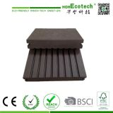 Various Design Anti-Corrosion Outdoor Solid Wood Decking Floor 140s25-B